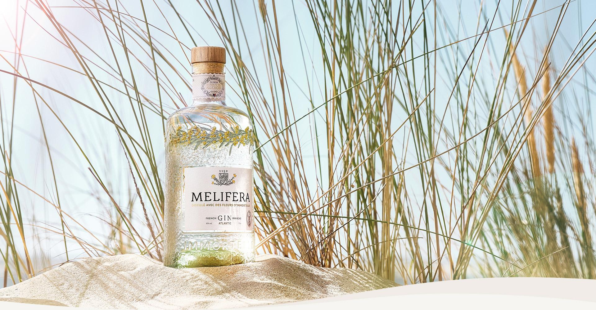 Dans-les-coulisses-de-la-creation-du-gin-francais-Melifera-bouteille